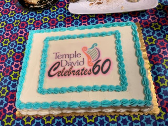 Cake showing brilliantly-designed logo